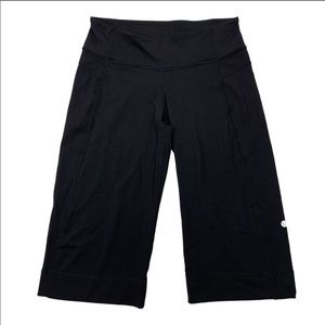 Lululemon Clam Digger II Crops in Black